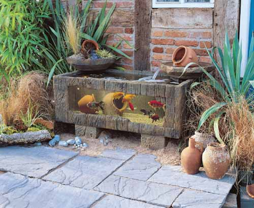 Patio fish tank bing images for Outdoor fish tank uk