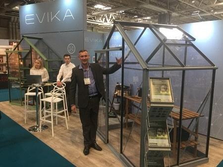 Partner David Coton with an Evika Greenhouse