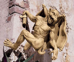 Design Toscano Gaston The Gargoyle