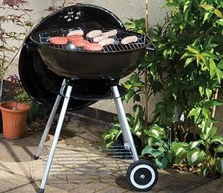 black kettle barbeque on wheels