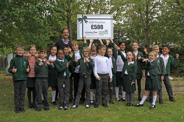 School Children pictured with the £500 voucher.